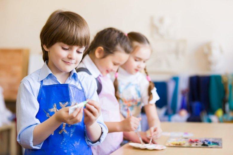Każde dziecko ma w sobie gen kreatywności. Umiejętność ta zanika wraz z dorastaniem, ale jako rodzice możemy wesprzeć nasze pociechy w pielęgnowaniu tego pięknego daru. Artyści i projektanci Endo podzielili się z nami kilkoma pomysłami, jak to zrobić.