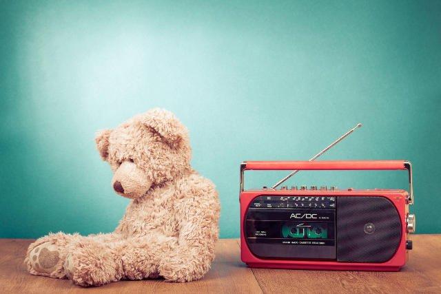 Coraz więcej internetowych stacji radiowych gra muzykę dedykowaną specjalnie dzieciom