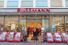 Rossmann przekazał 3-letni zapas chemii Fundacji Rodzin Adopcyjnych
