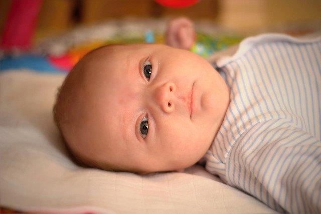 Fot. Pixabay / [url=https://pixabay.com/pl/niemowl%C4%99-dziecko-dziewczynka-743247/]JanDix[/url] / [url=https://pixabay.com/pl/service/terms/#usage]CC0 Public Domain[/url]