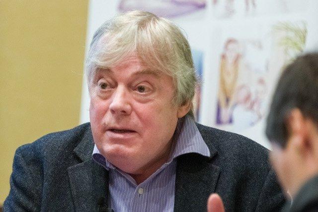 dr Peter Willatts, psycholog rozwoju w Szkole Wyższej Psychologii na Uniwersytecie w Dundee, specjalista od rozwoju funkcji poznawczych u niemowląt i małych dzieci