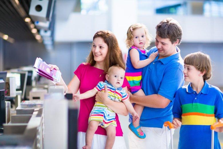 Udogodnienia dla rodzin i ich dzieci czekają też na lotnisku, zarówno przed wylotem, jak i po dotarciu do kraju docelowego