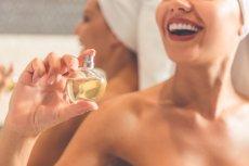 Na kobiecym ciele jest kilka punktów, w których zapach utrzyma się dłużej i będzie bardziej intensywny.