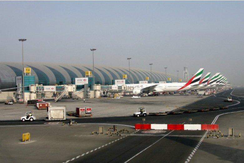 Międzynarodowy port lotniczy Dubaj udostępnia podróżnym największy na świecie terminal pasażerski