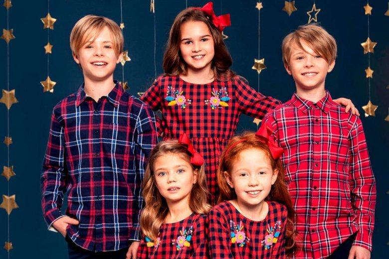 Co wybrać na świąteczną uroczystość: sweterek z Rudolfem czy tiulową spódniczkę? Popularna marka ubranek dziecięcych Endo podpowiada, jakie stylizacje wybrać na święta.