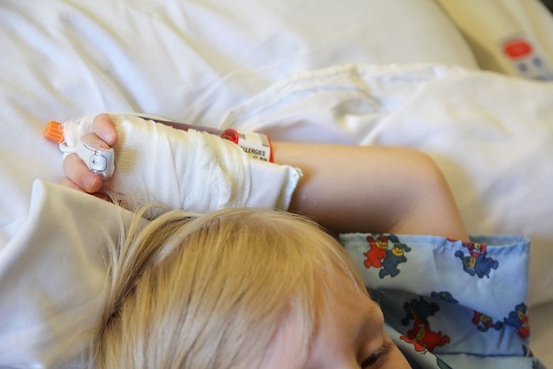 Dziecko po operacji chce się do kogoś przytulić – dlatego właśnie powstała zbiórka pluszaków!
