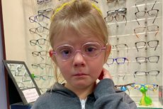 Olivia na szczęśliwą nie wygląda. Skądś to znasz?