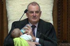 Spiker zaopiekował się dzieckiem jednego z deputowanych w parlamencie