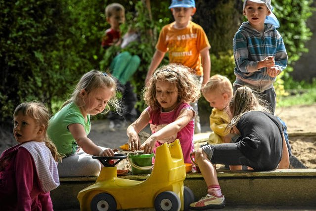 Dzieci w przedszkolu spędzają średnio siedem godzin dziennie