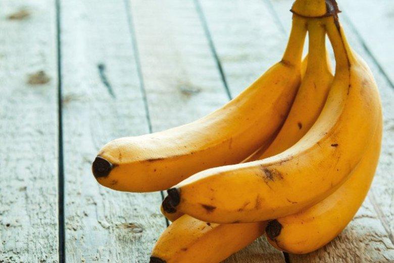 Lepiej nie jeść bananów, które mają w środku czerwoną linię