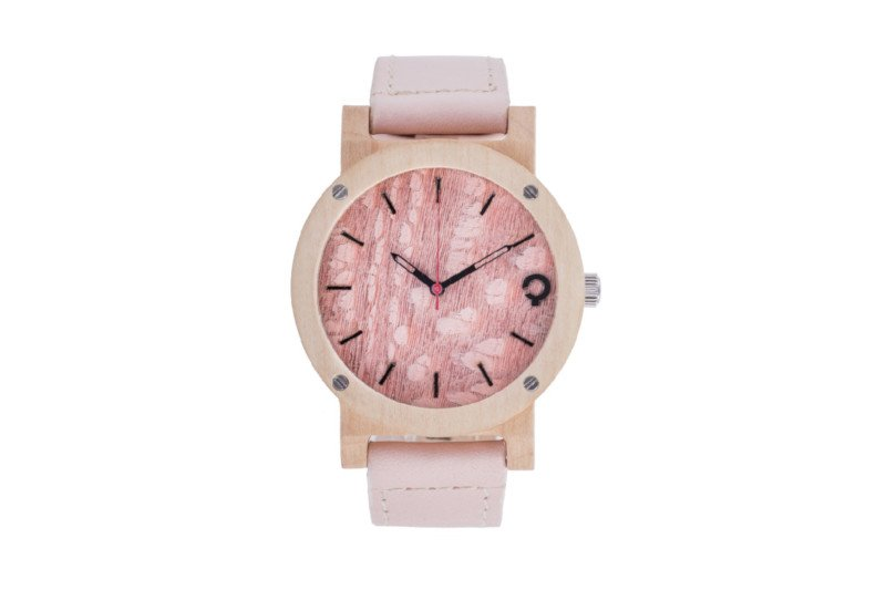 Prezent komunijny – drewniany zegarek.