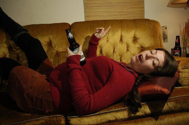 Z danych Państwowej Agencji Rozwiązywania Problemów Alkoholowych wynika, że alkohol pije co trzecia ciężarna.