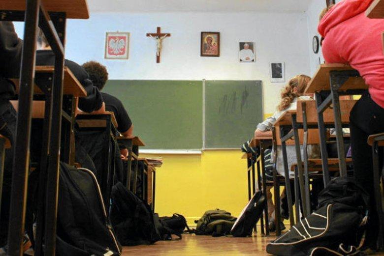 Prolaferzy wkraczają do szkół i indoktrynują młodzież.