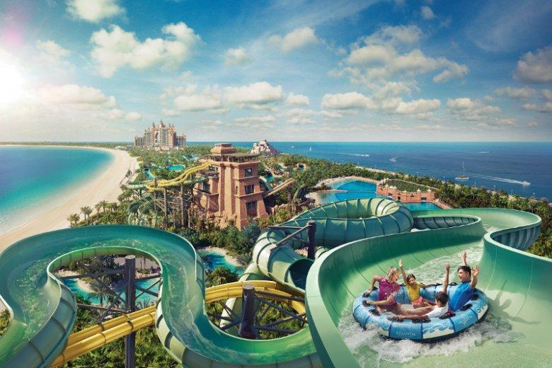 Park wodny Aquaventure Waterpark położony na sztucznej wyspie Palma Dżamira u wybrzeży Dubaju