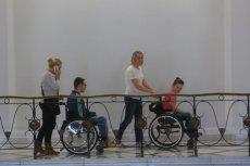 Rodzice niepełnosprawnych dzieci znów będą protestować. Tym razem walczą o świadczenia po śmierci dzieci.