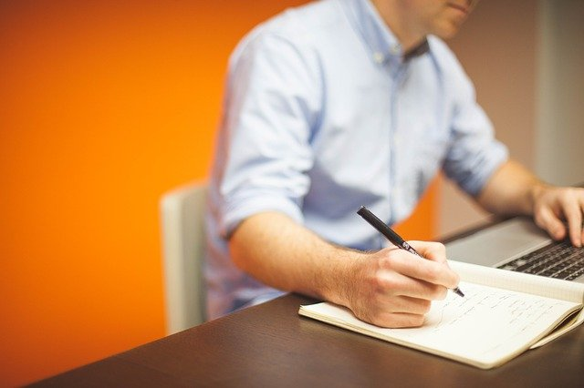Fot. Pixabay /[url=http://pixabay.com/pl/urz%C4%85d-starcie-biznesu-biuro-domowe-594132/]StartupStockPhotos[/url] / [url=http://bit.ly/CC0-PD]CC0 Public Domain[/url]