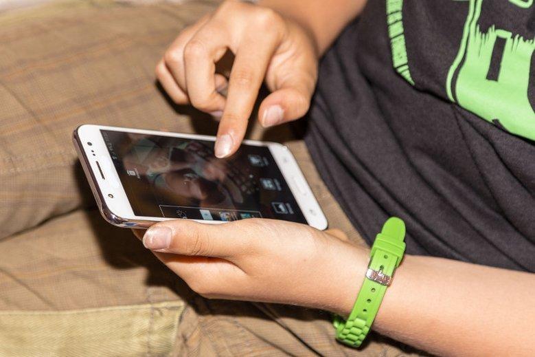 14-latek wysyłał do 15-latki wulgarne sms-y. Trwa spór między rodzicami