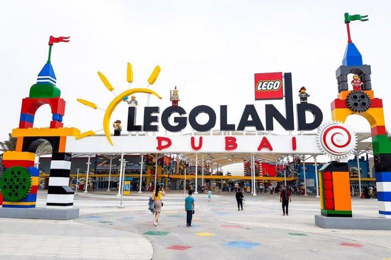 Wejście do parku rozrywki LEGO w Dubaju
