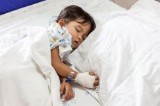 Dzieci chore na NChZJ muszą być pod stałą opieką lekarzy