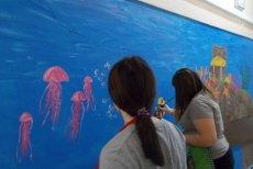 Światowy dzień chorego - uczniowie malują ściany