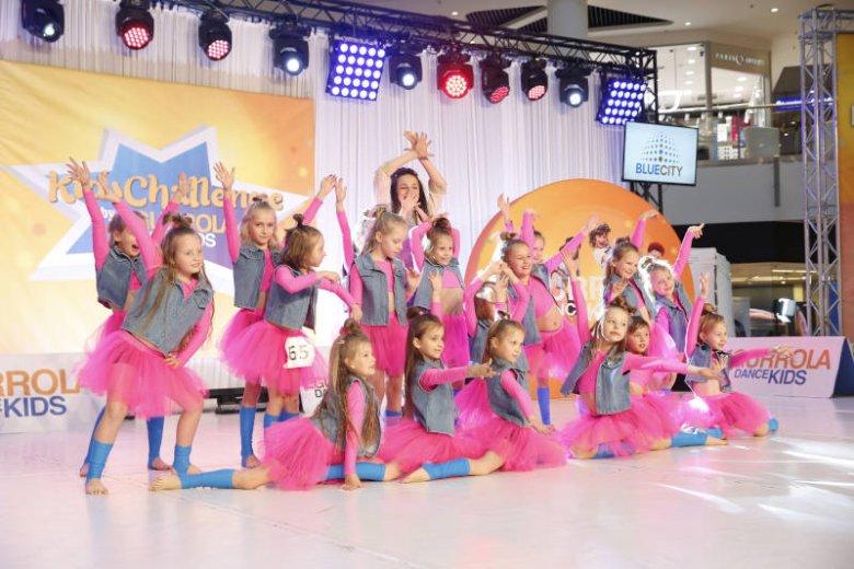 Roztańczone półkolonie dla dzieci w wieku 5-13 lat organizuje w Blue City Egurrola Dance Studio.