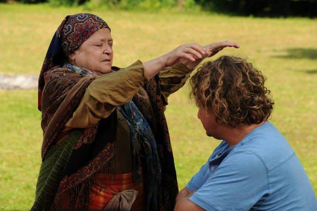 """Babka z serialu """"Ranczo"""" to obecnie chyba najlepiej znana szeptucha w Polsce."""