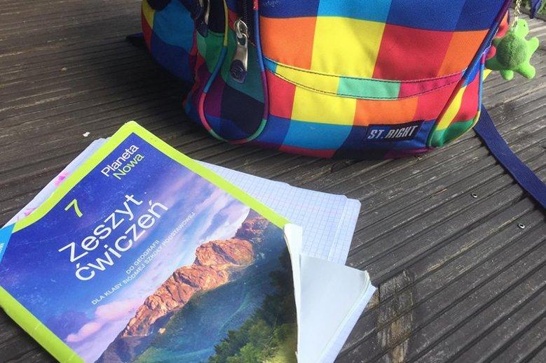 Darmowe podręczniki to mit? Rodzice muszą kupić część zeszytów ćwiczeń.